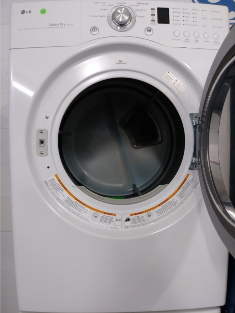 Lg Tromm Front Load Steam Washer And Gas Dryer Set Out Of