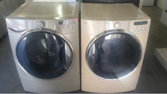 kenmore he tan front load washer w gas dryer set