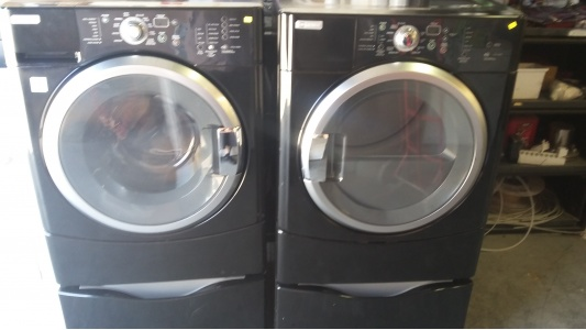 Maytag Black Front Load Washer W Gas Dryer Set On Pedestals Out Of Stock