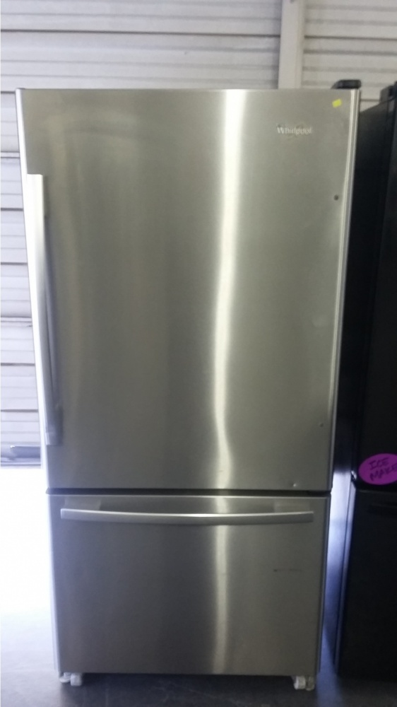 Whirlpool 33 Quot Stainless Bottom Mount Refrigerator Out Of