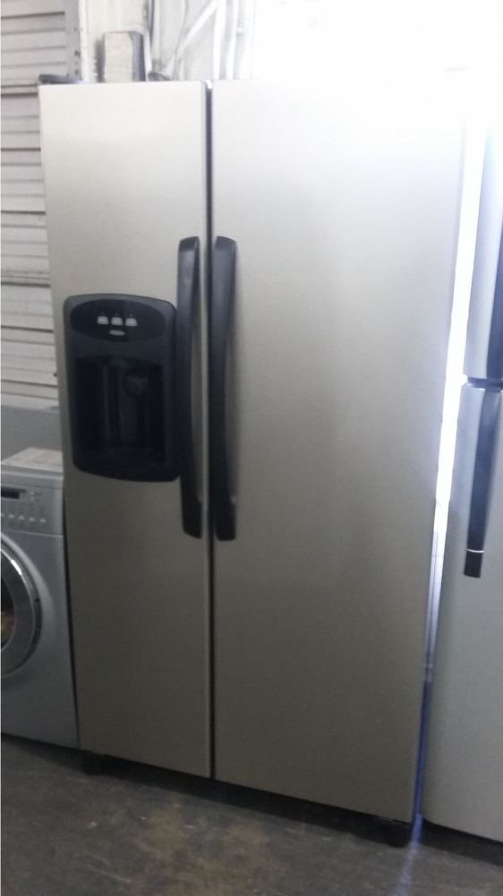 Maytag Performa Satina Side By Side 36 Quot Refrigerator Out