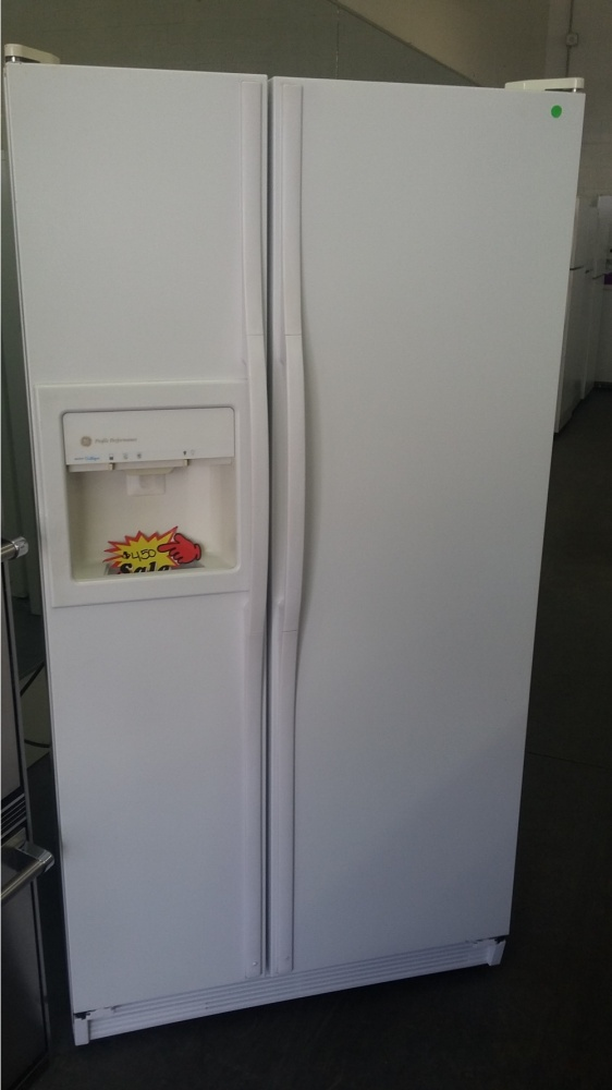 Ge Profile 36 Quot White Side By Side Refrigerator Out Of