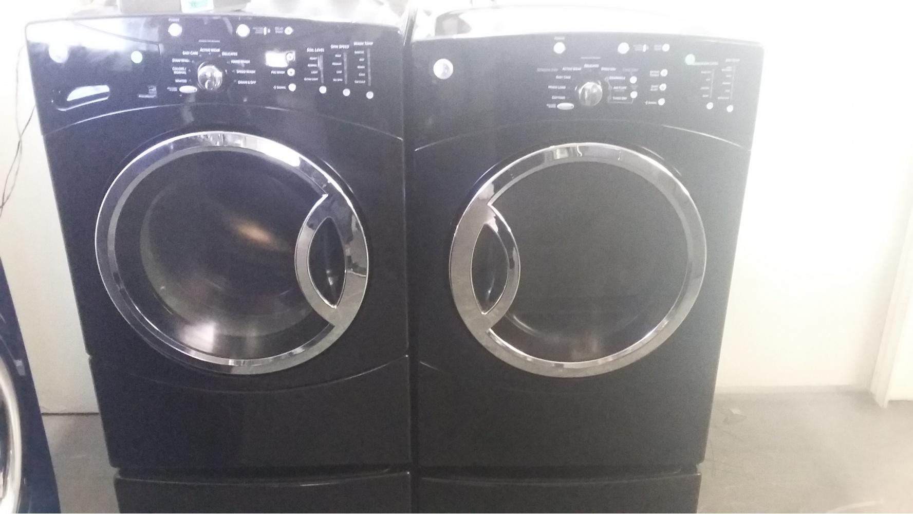 Ge Black Front Load Washer W Gas Dryer Set On Pedestals